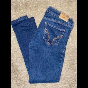 Hollister SoCal stretch skinny leg jeans. 5L